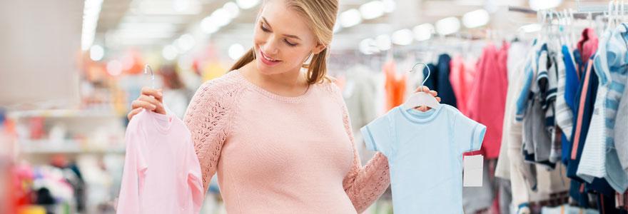 Vêtements indispensables pour un bébé